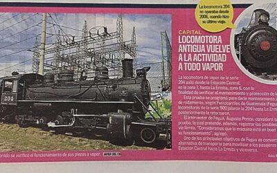Locomotora antigua vuelve a la actividad a todo vapor